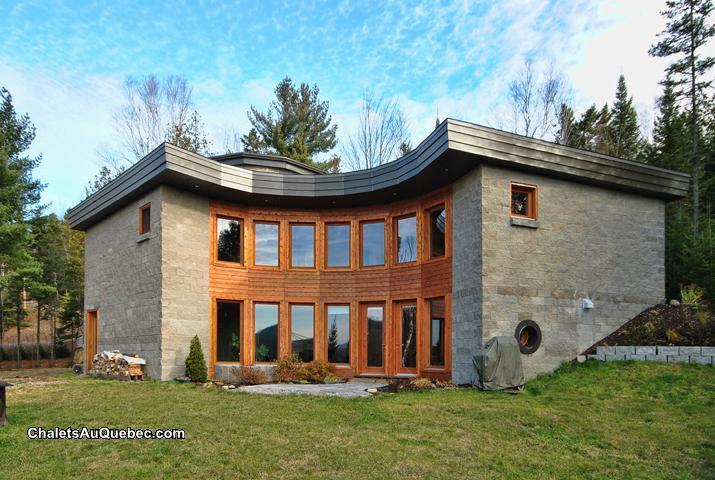 Maison d 39 architecture contemporaine chalet louer st for Logement prefabrique