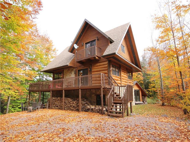 Single Family Home for Sale at Saint-Sauveur, Laurentides 732 Mtée St-Elmire