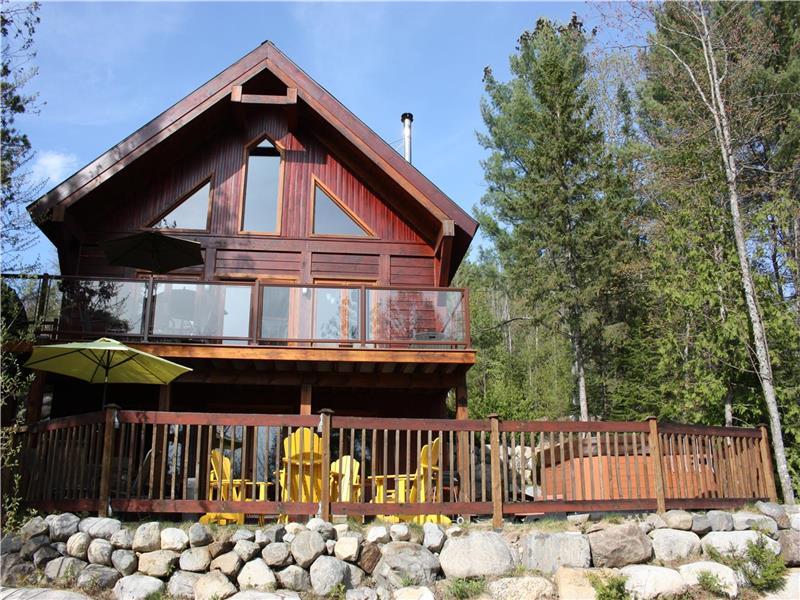 Stupendous Chalet Zen Nature Chertsey Cottage Rental Di 9160 Home Interior And Landscaping Analalmasignezvosmurscom