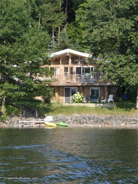 chalet au bord du lac massawippi chalet 224 louer hatley pl 9220 chaletsauquebec