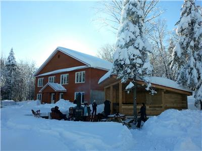 15 min. from Ski Massif , 2 condos and 6 rooms