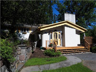 Grand Héron waterfront cottage for rent in St. Adolphe d'Howard in the Laurentians.