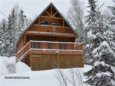 Le Malard Cottage, Wood Log Chalet in Nature, Private SPA, Mont-Tremblant Area, Classified 4 Stars