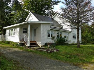 Country Cottage for Rent in Eastman