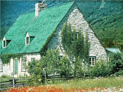 Large houses for rent near Quebec City, from 12 to 80 people, 4 to 32 bedrooms, wi-fi, spa in option