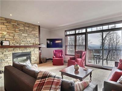 Beautiful 3 bedroom condo Cap Tremblant