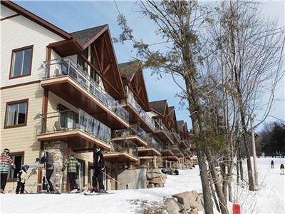 Condo on the slopes_Bromont