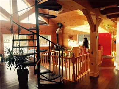 Chalet La Sainte Paix, log house in Ste-Beatrix, Lanaudiere, in gorgeous surroundings of Matawinie