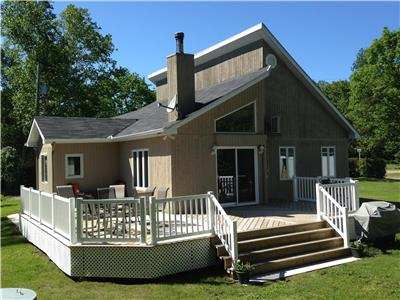 Chénéville Waterfront House/Cottage For Sale