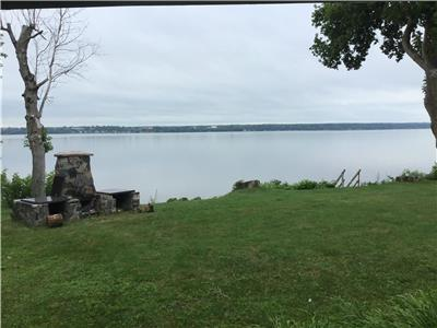 Waterfront!!!! ST- Lawrence, river, Deschambault-Grondines , awesome view!!!! All furnish, 2 bedroom