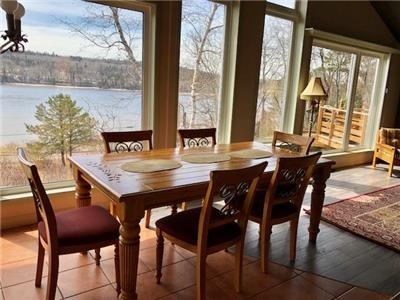 L'Oasis,Saguenay river, fabulous view, near the water, fully furnished, bonfire, BBQ, WIFI, calm