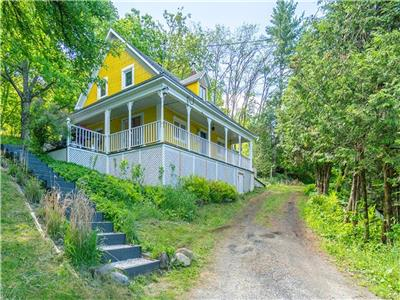 *** Fitch Bay Ancestral *** 15 minutes from Magog, Spring Special Price!