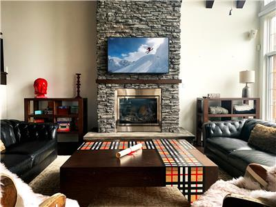 BEST Ski In/Ski Out in Heart of Tremblant - Panache 768 with Private Hot Tub