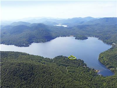 Cottage Lake and Mountain (Private site! Beach and dock on the lac de la Montagne Noire)