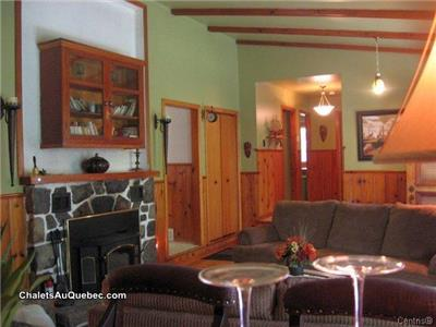 Very nice, big chalet one hour from Montréal, very private, lot of land, at Morin-Heights WATERFALL