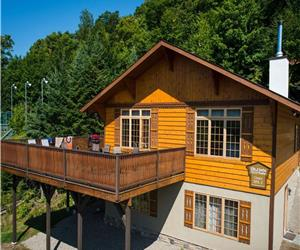 Chalet ?iema ou Vasara  ADJACENT to the indoor pool & Nordic spa