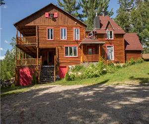 Peachy Cottage Rentals And Cottages For Rent Chaletsauquebec Interior Design Ideas Helimdqseriescom