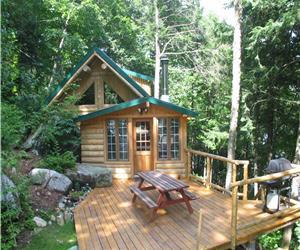 Smaller log cabin - Lake front - Portneuf