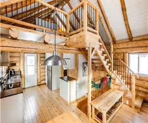 SKI COTTAGE The Log Home 200$ per night winter season