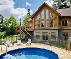 Chalet White Wolf Spa (Fiddler's Lake)