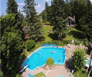 Cottage Country Paradise! 9 Chalets: 2-3 BDRMS, POOL, LAKE, SPA, PADDLE BOATS, HIKING, BIKING TRAILS
